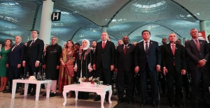 Erdogan meets MMA champ at opening of Istanbul Airport