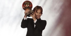 Football: Real Madrids Modric wins...