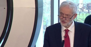 Brexit: Jeremy Corbyn demands election...