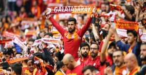 Galatasaray beat Besiktas to top Turkish league