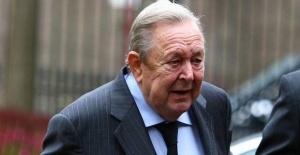 Former president of UEFA dies at age...