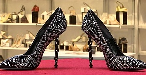Qatari manufacturer buys shoes for over $11,000