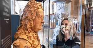 British Museum removes bust of slave trading founder