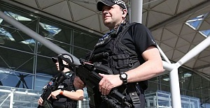 UK, Counter-terrorism team detain 2 at Stansted Airport