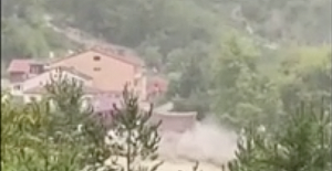 House collapses into fast flowing flood waters in Turkey