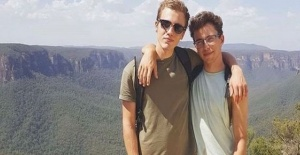 UK and French tourists missing in Australia beach search