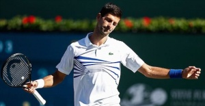 Top seed Djokovic loses at Miami Open 4th round