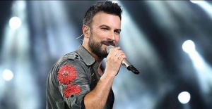Turkish pop star Tarkan to perform in Russia