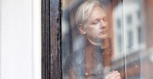 US indicts Julian Assange, seeks extradition from UK
