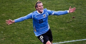 Uruguayan forward Diego Forlan retires from football