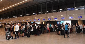 British tourists leave Turkey as Thomas Cook collapses