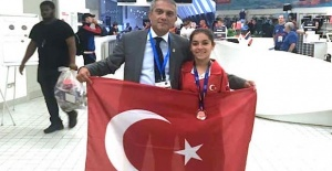 Turkish swimmer wins bronze at world paralympic champs