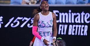 Australian Open: Teen player Gauff beats Venus Williams