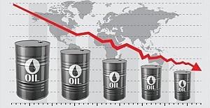 Experts warn of economic recession amid virus spread, oil price dive