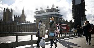 UK coronavirus cases reach 798