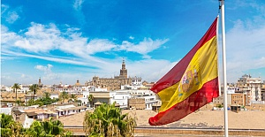 Spain to open doors for tourists this summer