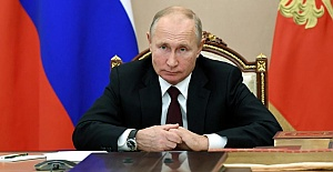Russian President Vladimir Putin may have Parkinson's disease and be poised to quit early next year, The Sun writes