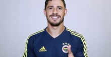 Fenerbahce midfielder Giuliano moves to Saudi Arabia