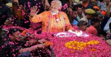 Modi's party takes early lead in India elections