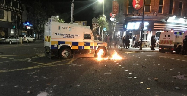 Belfast riot latest ! Petrol bombs, bricks and bottles were thrown at police