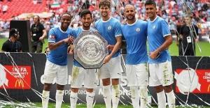 Manchester City win Community Shield