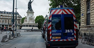 France reports 92 virus deaths, hospitalizations down