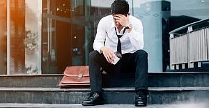 UK unemployment claims soars